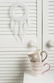 Apanhador de sonhos com penas brancas