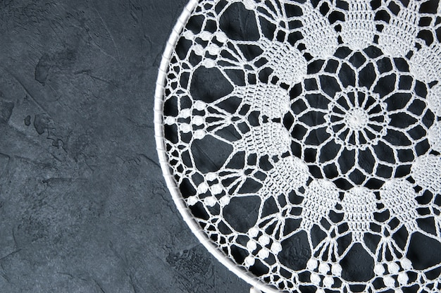 Apanhador de sonhos de crochê branco