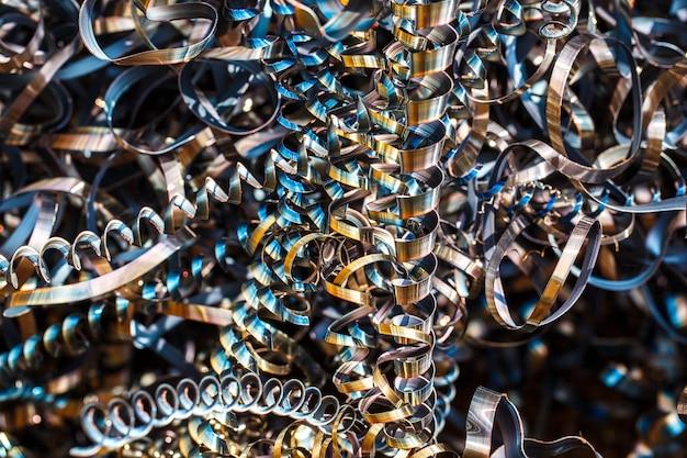 Aparas de aço em espiral torcida closeup