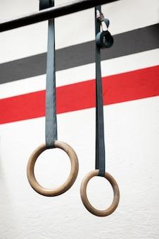 Aparelho de anel em uma academia