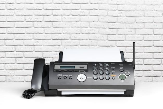 Aparelho de fax no escritório