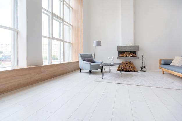 Apartamento de luxo com design moderno e elegante, com um layout gratuito e um estilo minimalista.