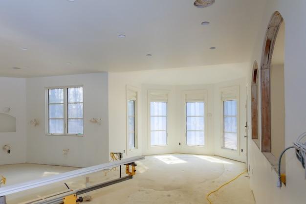 Apartamento inacabado interior sheetrock na construção de nova casa