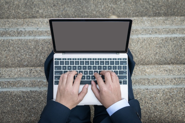 Apartamento leigo empresário usar laptop