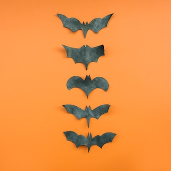 Aplicação com morcegos formando fileira