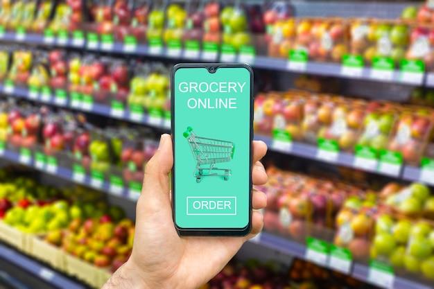 Aplicativo de entrega de supermercado online em um serviço de mercado de alimentos para celular em smartphone