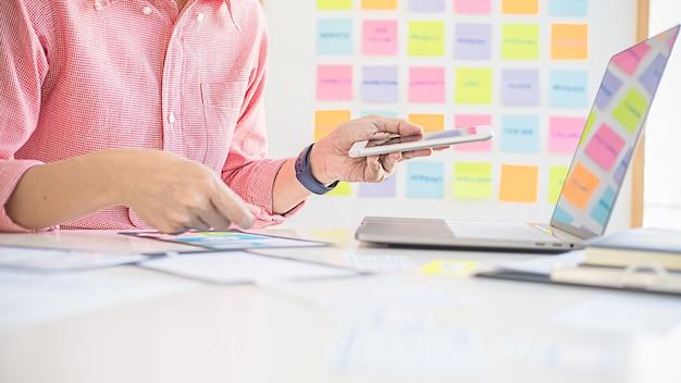 Aplicativo de planejamento creative web designer e desenvolvimento de template de layout, framework para celular.