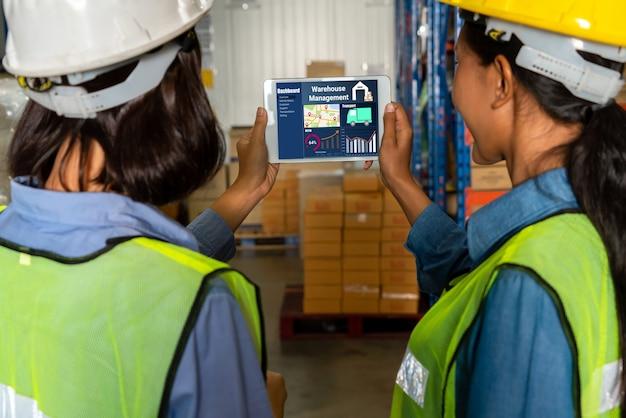 Aplicativo de software de gerenciamento de armazém em computador para monitoramento em tempo real