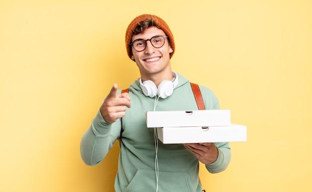 Apontando para a câmera com um sorriso satisfeito, confiante e amigável, escolhendo você. conceito de pizza