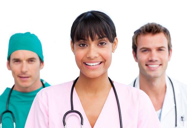 Apresentação de uma equipe médica alegre