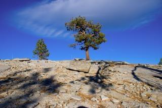 Aproximando topo da rocha cúpula em agulhas