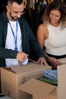 Aproxime-se das coisas de organização voluntária para doação