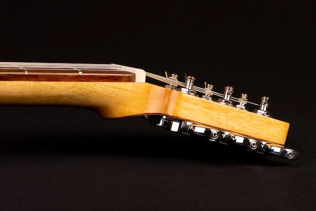 Aps e pescoço de uma guitarra elétrica