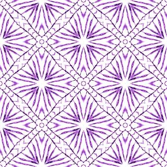 Aquarela ikat repetindo a borda da telha. design de verão chique boho roxo fascinante. estampado glamoroso pronto para têxteis, tecido de biquíni, papel de parede, embrulho. ikat repetindo design de trajes de banho.