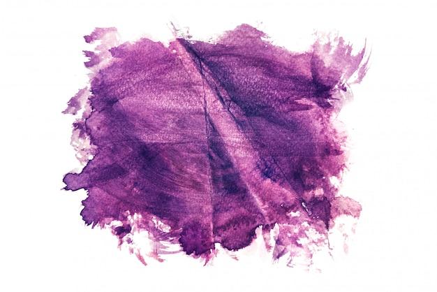 Aquarela roxa isolada no fundo branco, pintura a mão em papel amassado