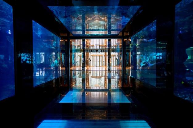 Aquário subaquático do hotel