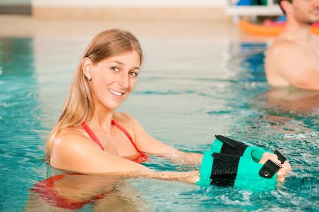 Aquarobics ou hidroterapia no spa