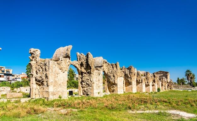 Aqueduto romano em tiro.