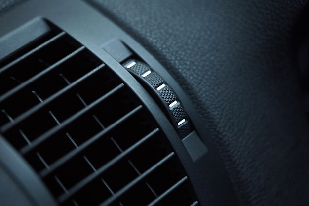 Ar condicionado em carro compacto