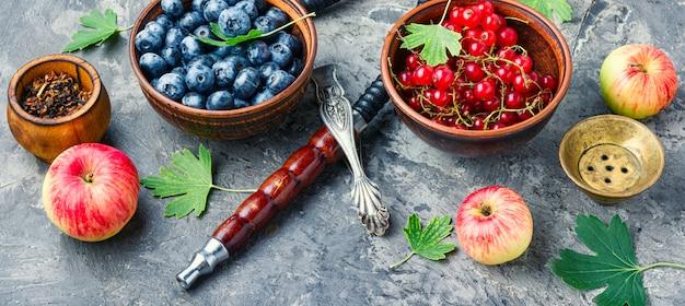 Arábia shisha com frutas e maçã