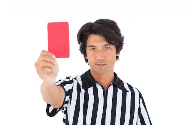 Árbitro da popa mostrando o cartão vermelho