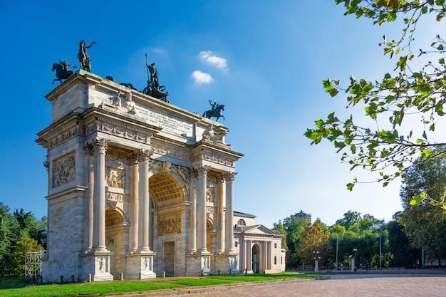 Arco da paz em milão. lombardia. itália