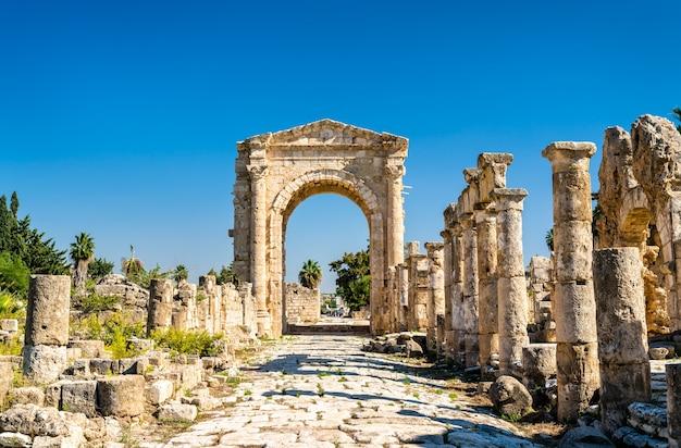 Arco de adriano na necrópole de al bass tire no líbano