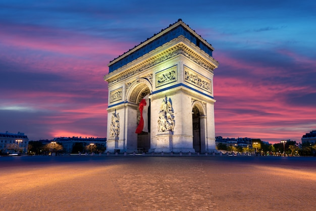 Arco do triunfo e champs elysees