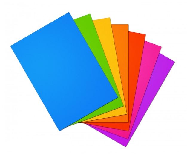 Arco-íris colorido em branco folhas de papel a4 na superfície branca
