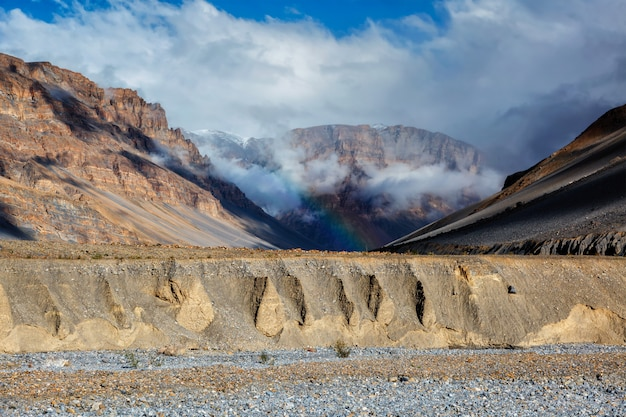 Arco-íris em spiti valley