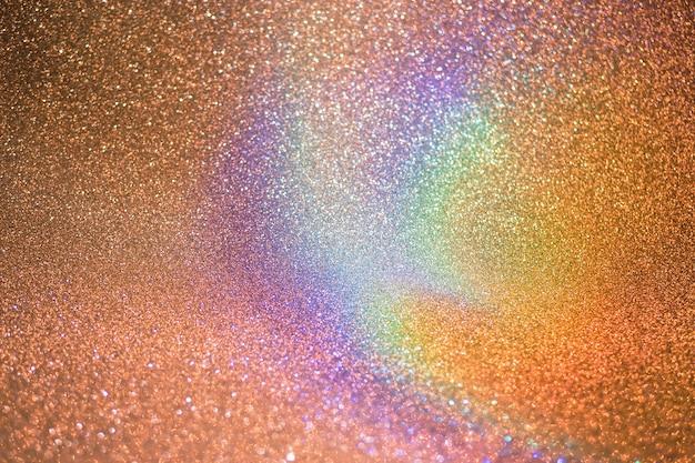 Arco-íris se espalhando na água