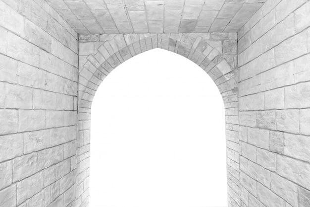 Arco na parede de tijolos