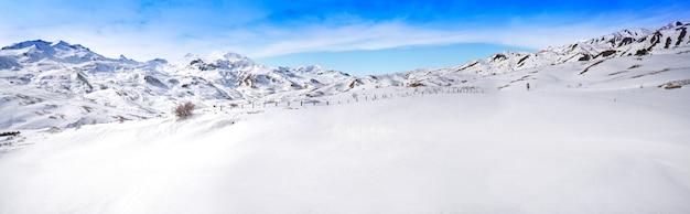 Área de esqui formigal em huesca pirinéus espanha