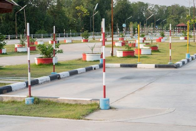 Área de estacionamento da prática da escola de condução