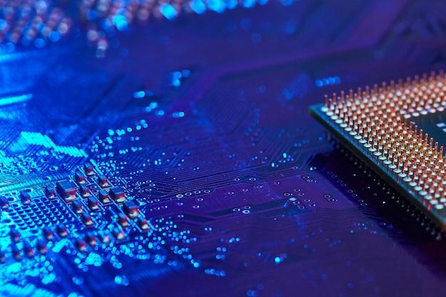 Área de trabalho do processador com contatos localizados na placa-mãe do pc