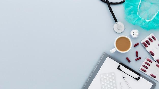 Área de transferência na mesa médica