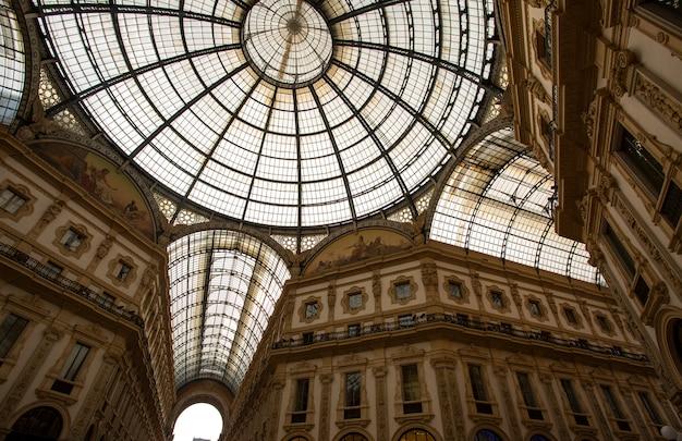 Áreas comerciais galleria vittorio emanuele ii em milão