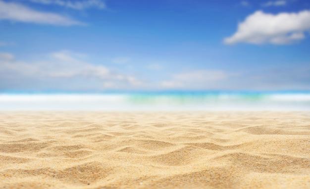Areia da praia e céu do mar em dia de verão
