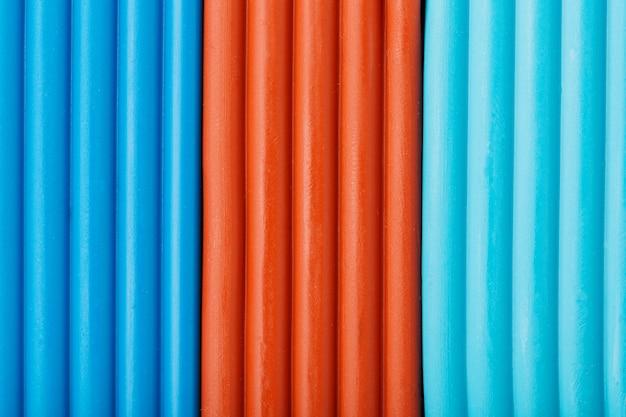 Argila macia de briquetes de ciano, marrom e azul para modelagem