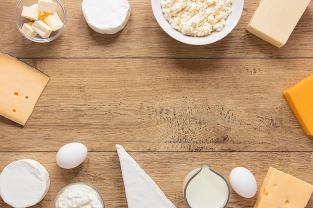 Armação circular com produtos lácteos