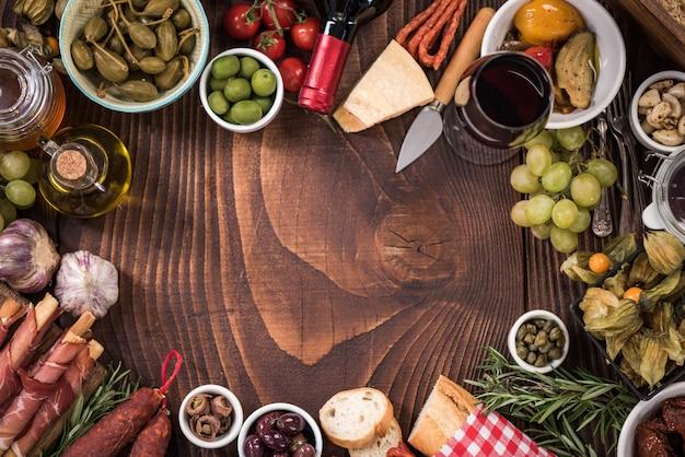 Armação de borda de comida de tapas espanholas