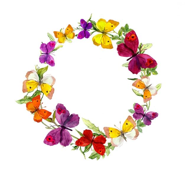 Armação de borda de coroa de flores com borboletas, ervas, flores do prado. aguarela