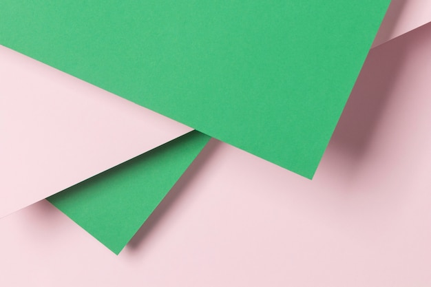 Armários verdes e rosa
