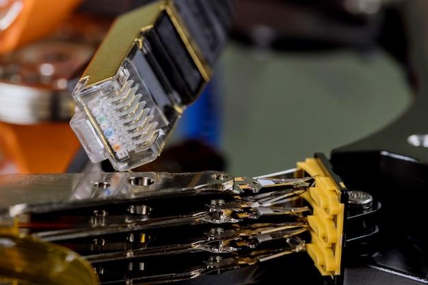 Armazenamento de transferência de dados on-line em nuvem para rede empresarial conecta-se ao serviço do servidor de internet