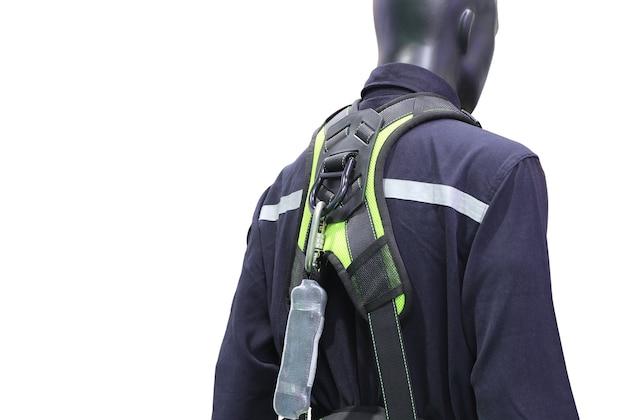 Arnês de segurança industrial como equipamento para trabalho em terreno elevado