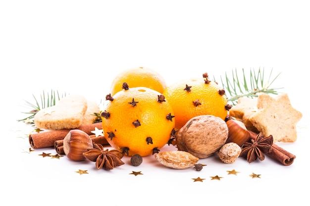 Aroma de natal - abeto, tangerinas e especiarias. biscoitos natalinos