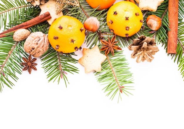 Aroma de natal - abeto, tangerinas e especiarias