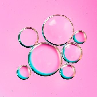 Arquipélago gradiente de bolha cai na água