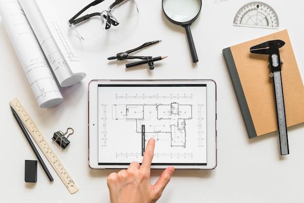 Arquiteta, trabalhando, casa, projeto