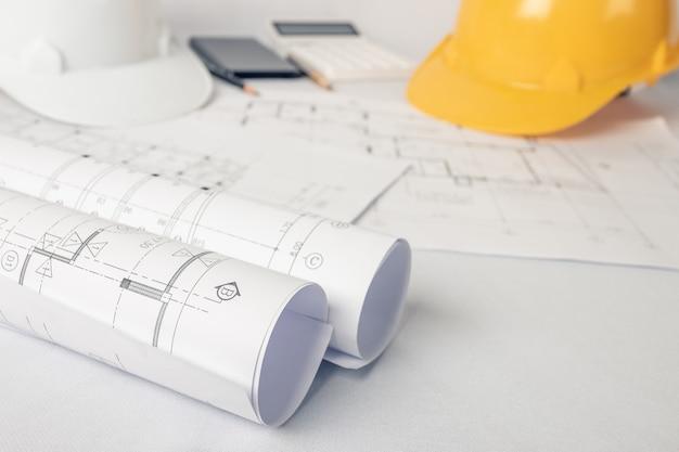 Arquiteto, conceito de engenheiro, representa o estilo de trabalho de arquitetos, engenheiros com desenhos de construção